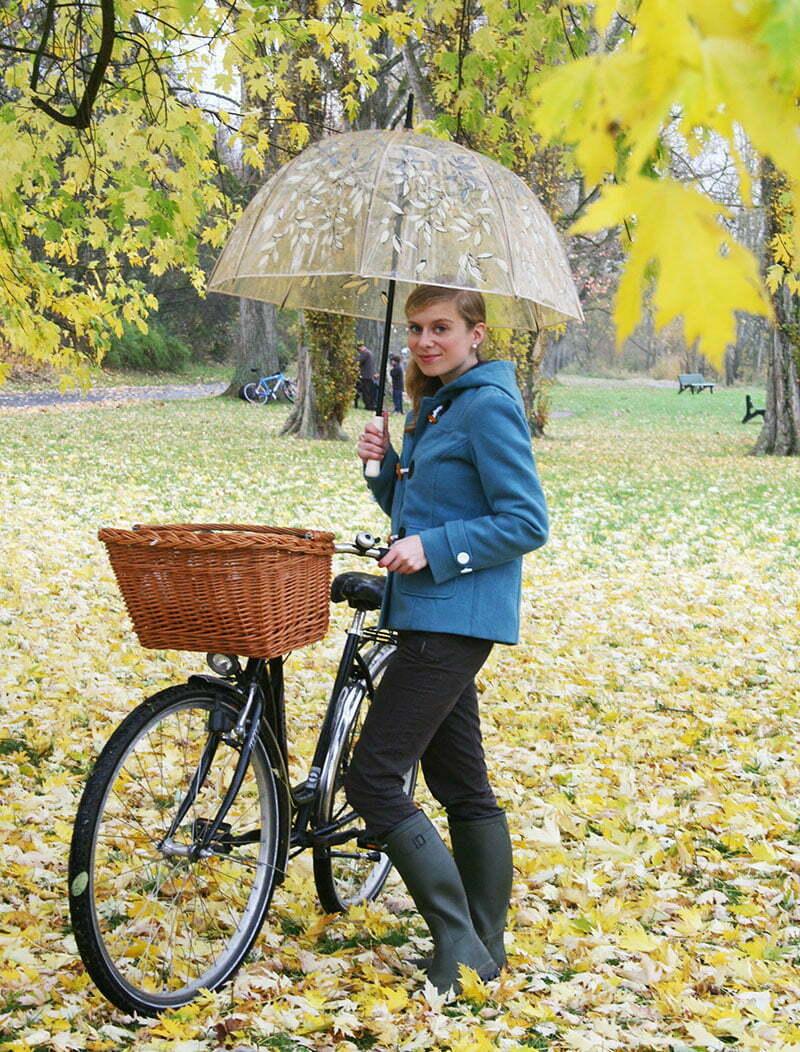 Daniela Uhrich vom Lady-Blog mit einem Regenschirm von Schumacher