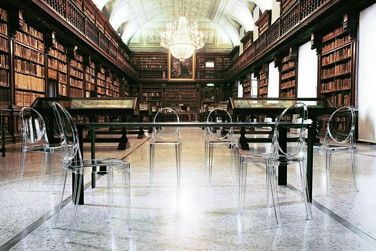 Der Freitagsfund: Glasklare Stühle von Kartell