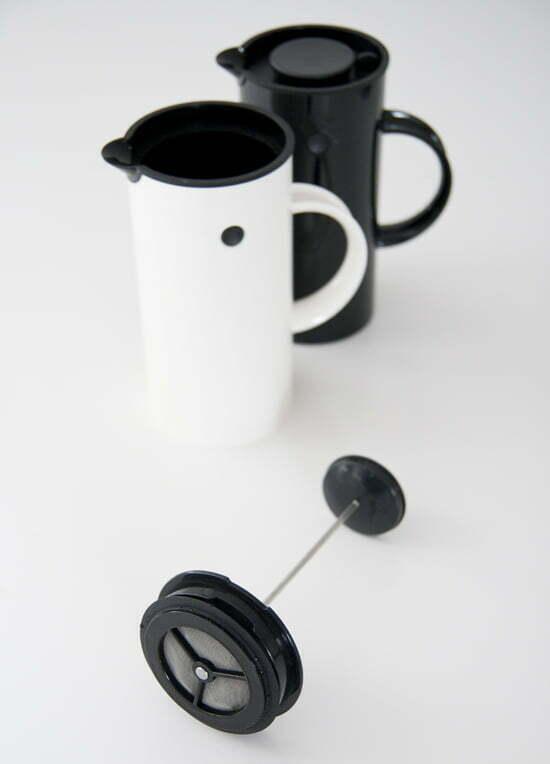 Kaffee kochen mit der French-Press von Stelton