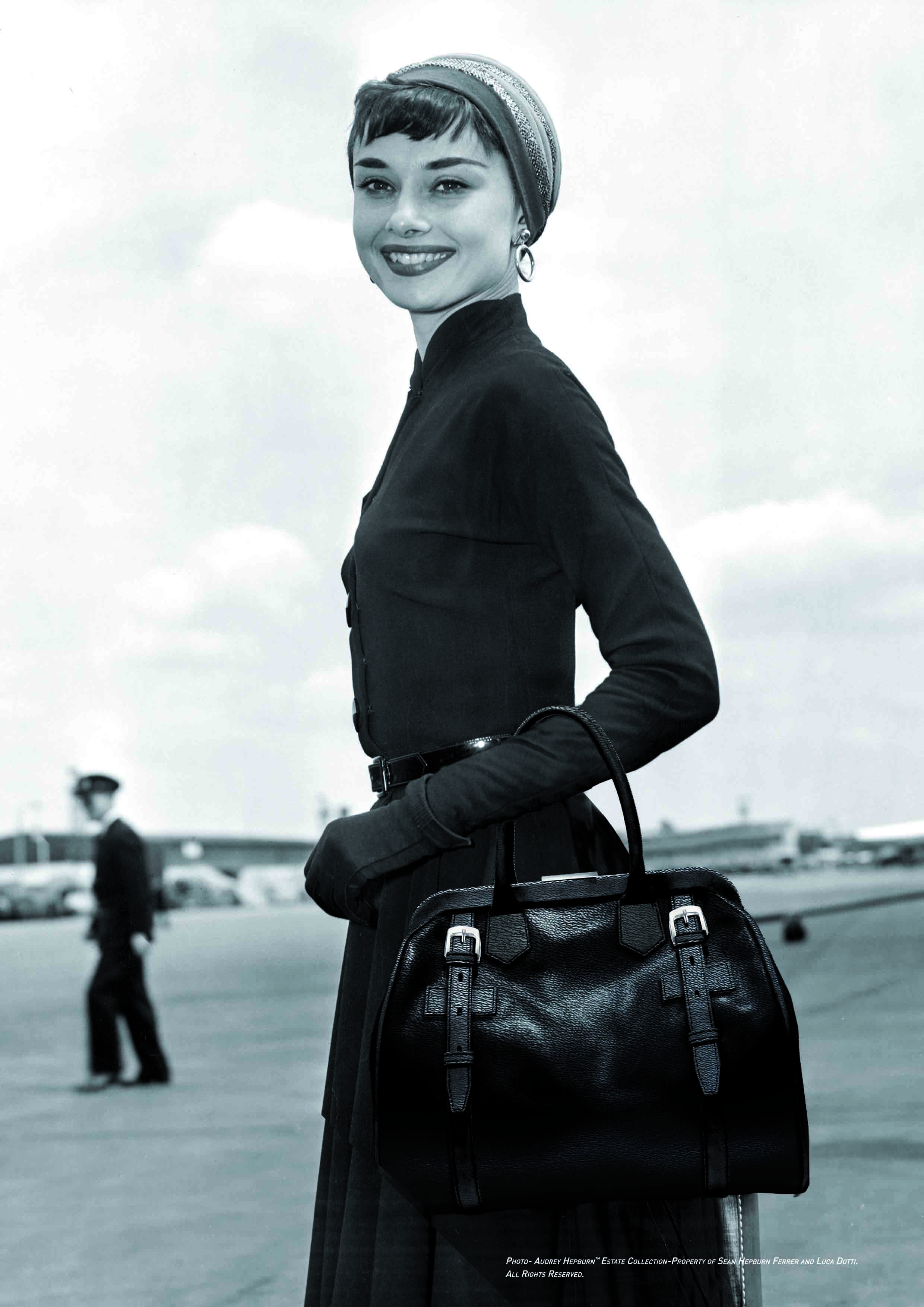 Audrey_Hepburn_with_black_Riviera_bag
