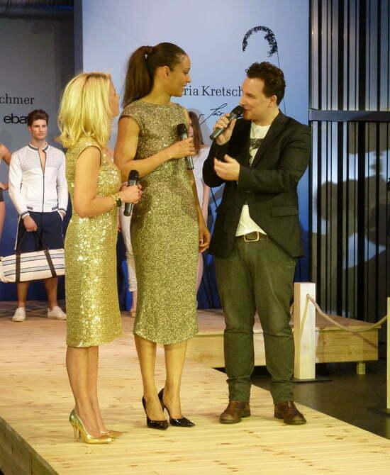 Guido Maria Kretschme mit der Pressesprecherin Leonie Bechtoldt von Ebay