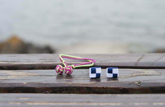 Knotenarmband und Seidenknoten-Square von Paul Hewitt