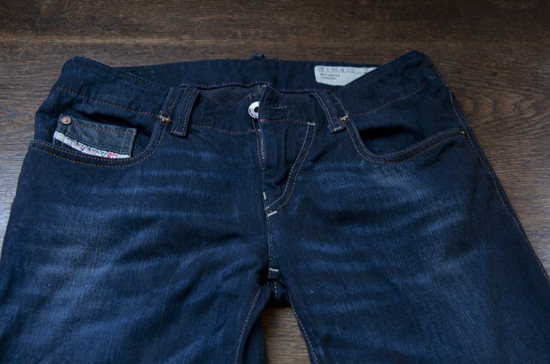 Diesel-Jeans: Schon nach kurzer Zeit ausgebeult
