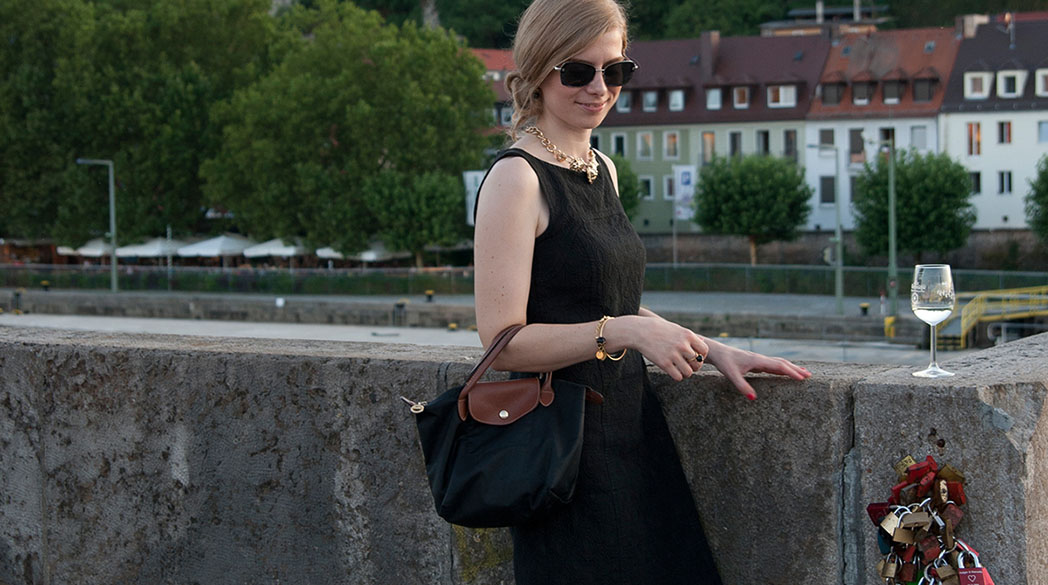 Outfitpost: Black, Gold & a little touch of Pink