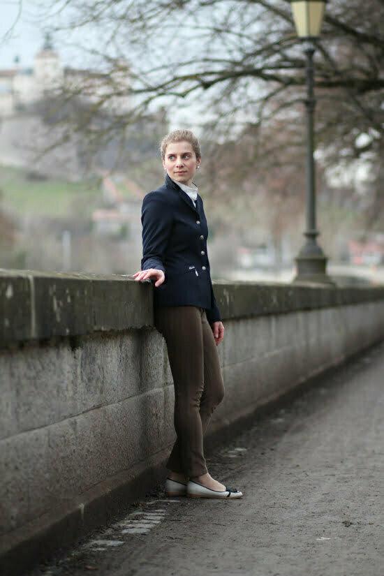 "Daniela Uhrich trägt den ""Equestrian Style"""