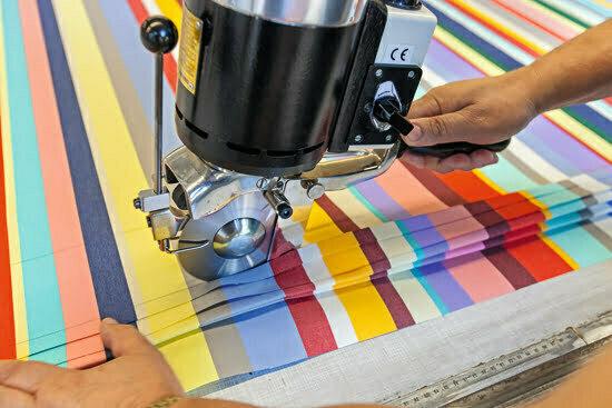Die Herstellung eines Weishäupl-Sonnenschirmes