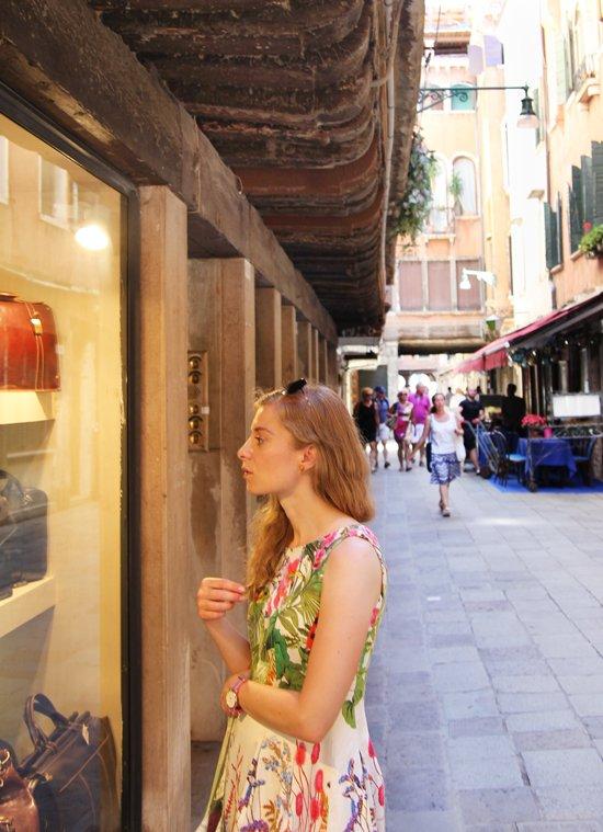 Window-Shopping in Venedig