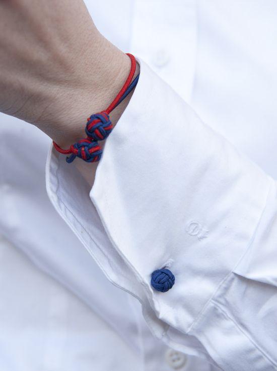Bluse mit Manschettenknöpfen: Der Preppy-Look