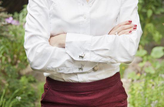 Bluse mit Manschettenknöpfen: Der Landhaus-Look
