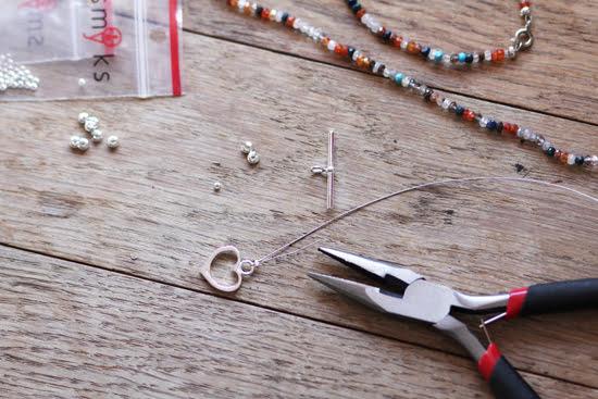 DIY-Armband mit Halbedelsteinen
