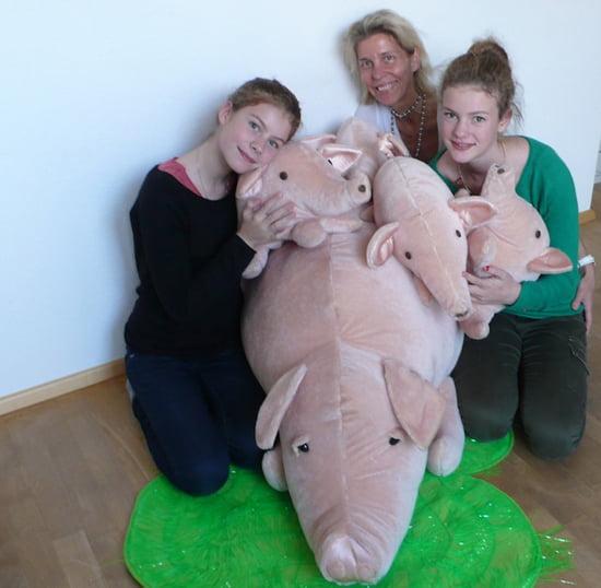 Angelika Frank von der Tierwerkstatt Animal Art mit ihren Kindern
