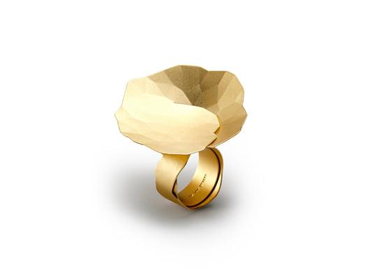 Niessing-Ring: Von Hand gefaltetes, hauchdünnes Edelmetall