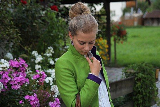 Daniela Uhrich vom Lady-Blog im grasgrünen Janker