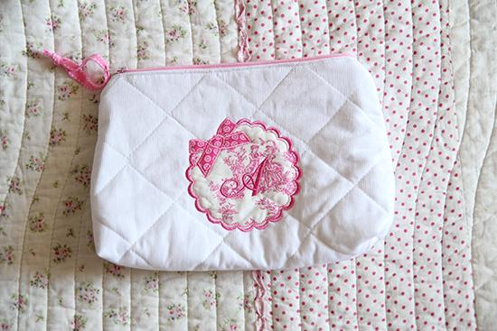 Geschenke zur Geburt: Personalisiertes Kosmetik-Täschchen