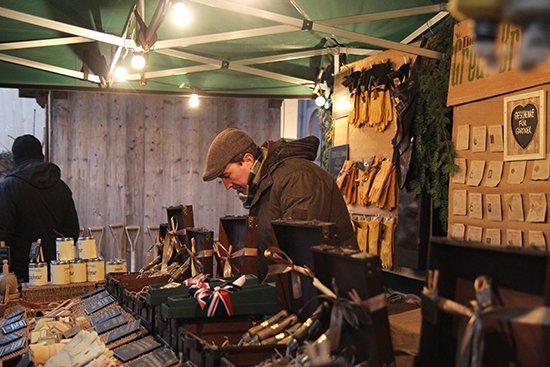 Weihnachtsmarkt auf Schloss Amerang