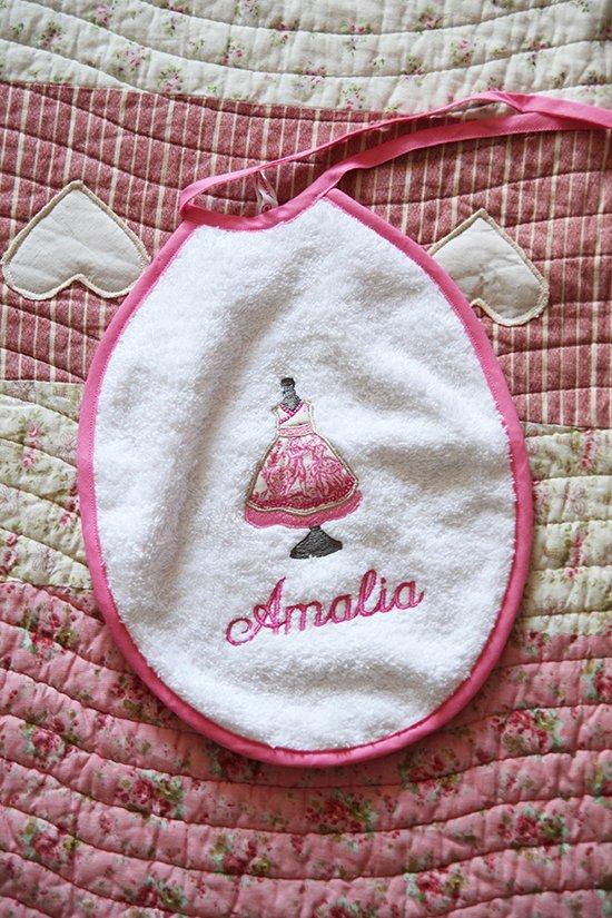 Babyausstattung: Personalisierte Lätzchen