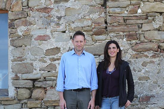 Mario und Ida vor ihrem Weingut SANGIOVANNI