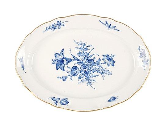 Meissen: Große ovale Servierplatte mit blauen Blumen und Insekten um 1850