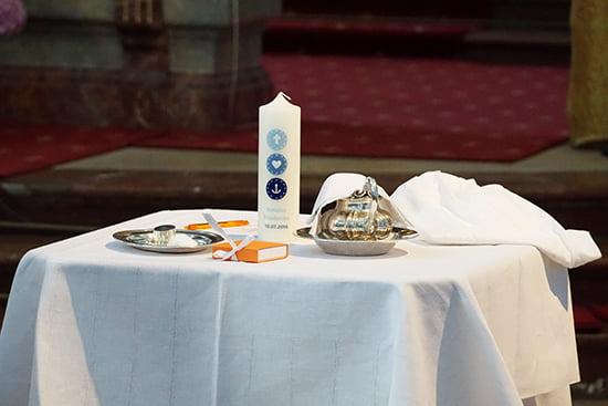 Taufkerze und Taufkette