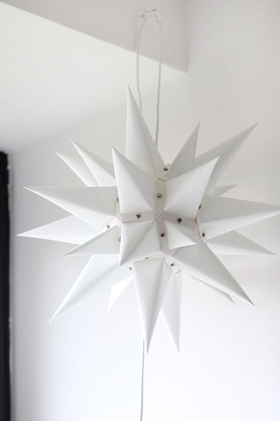 Herrnhuter Stern in Weiß