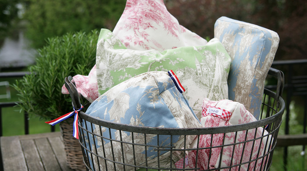 Linodi: Stilvolle Taschen & Utensilos mit Toile de Jouy