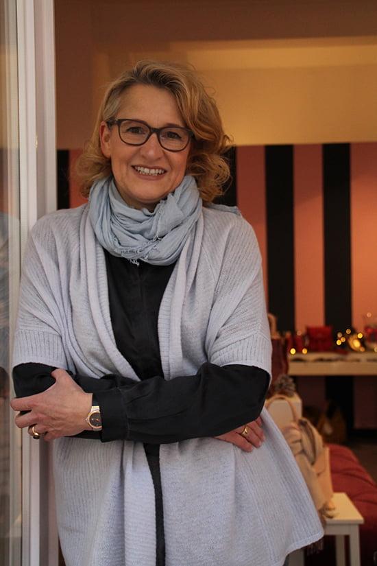 """Petra Falkenreck, Inhaberin von """"Schöne Schuhe"""" Gütersloh"""