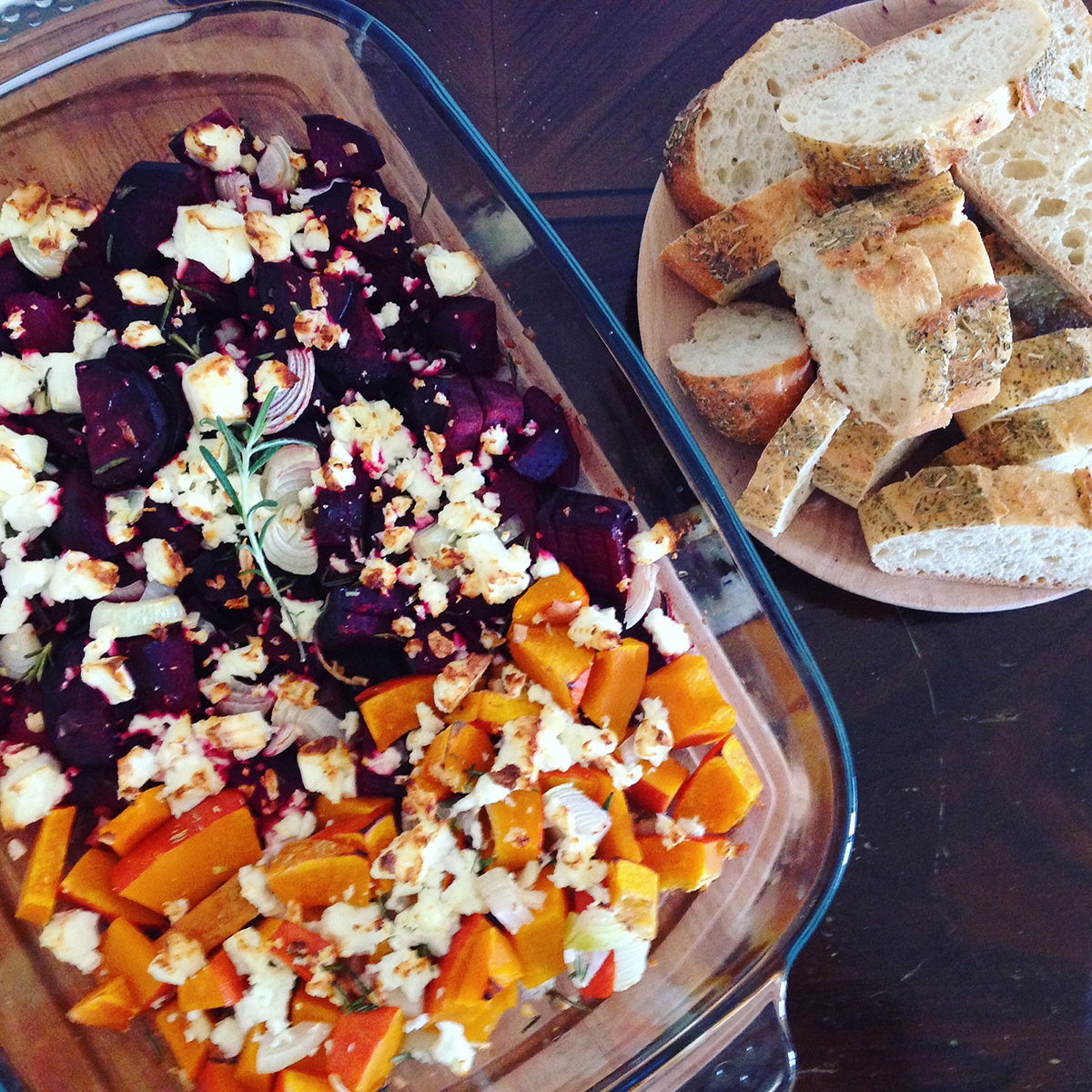 Saison-Rezept: Ofen-Feta mit Roter Bete