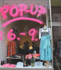 "Pop-up-Store ""Pimp up your Dirndl"""