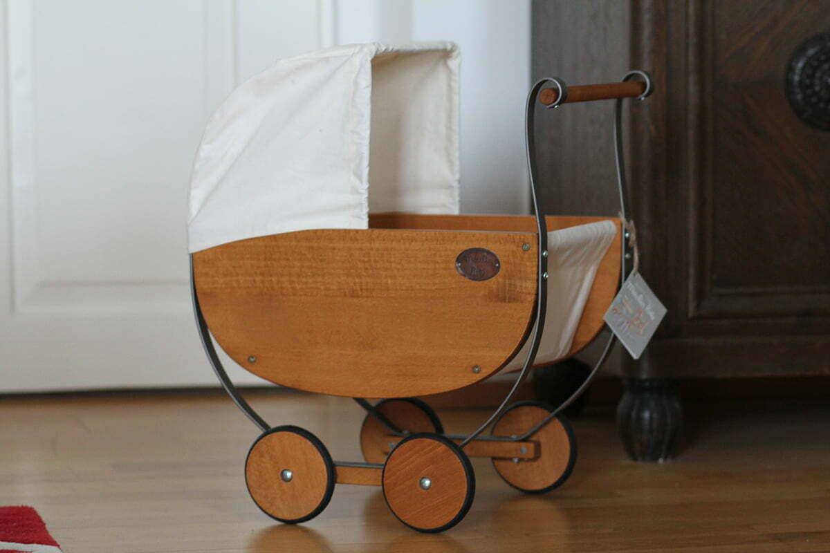 Unser nostalgischer Puppenwagen von Moulin Roty