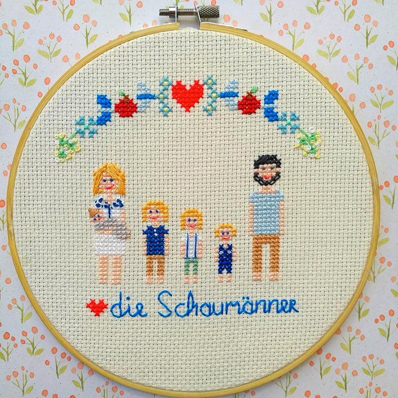 Sonntagskreativität: Gestickte Familienportraits