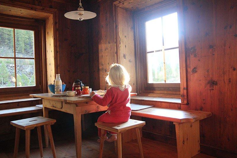 Frühstück in der Alpin-Lodge Josephus im Schnalstal