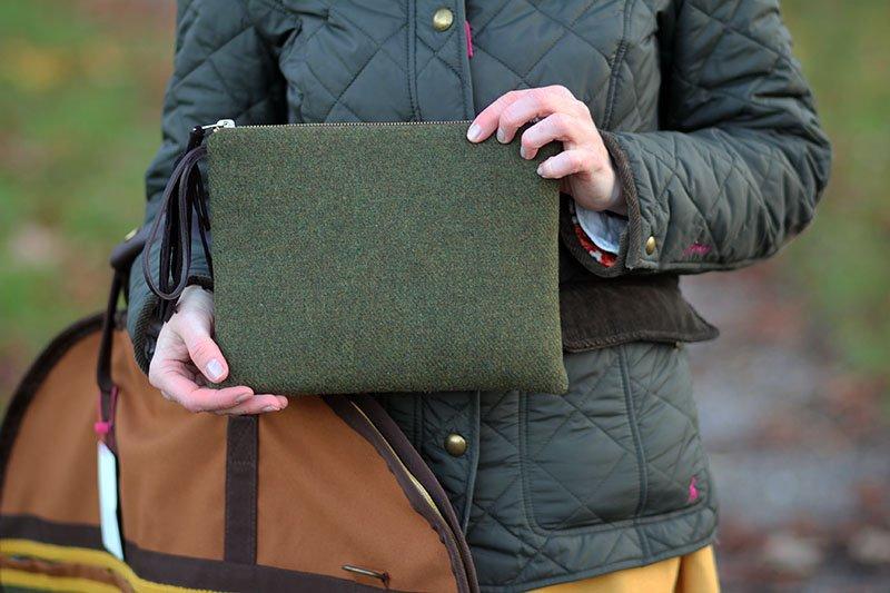 Die Clutch und den Kleidersack hat der Lady-Blog für Carlitos designt