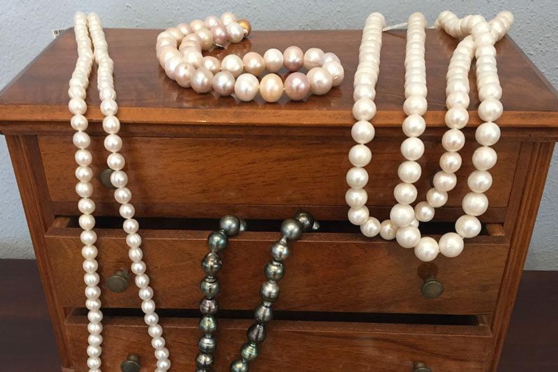 So bewahrt Ihr Perlen am besten auf!