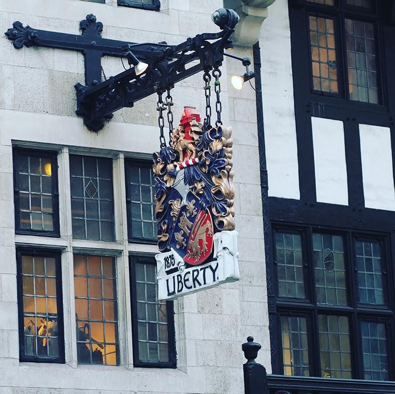 """""""Liberty ist der Ort erster Wahl für den kunstbeflissenen Käufer."""" (Oscar Wilde)"""
