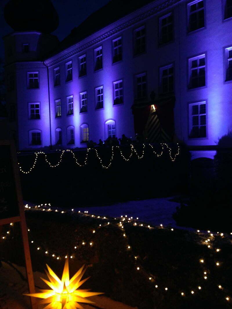 Weihnachtsmarkt im Schloss Tüssling