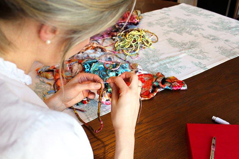 """Jedes """"Banderas Seidenarmband"""" ist ein Unikat von Annika Rohde"""