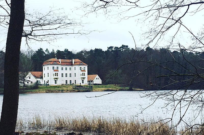 Das Schloss Grunewald am Grunewaldsee