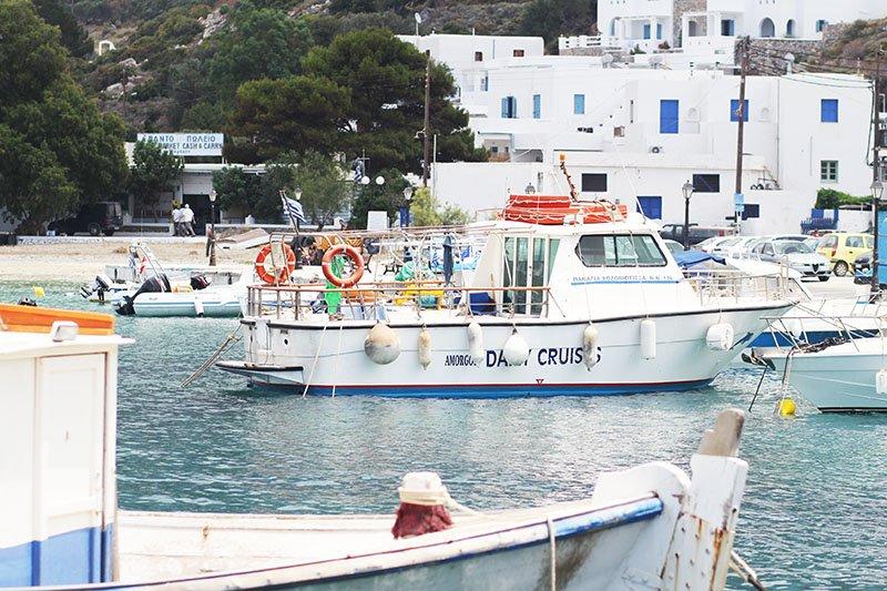Am Hafen von Amorgos