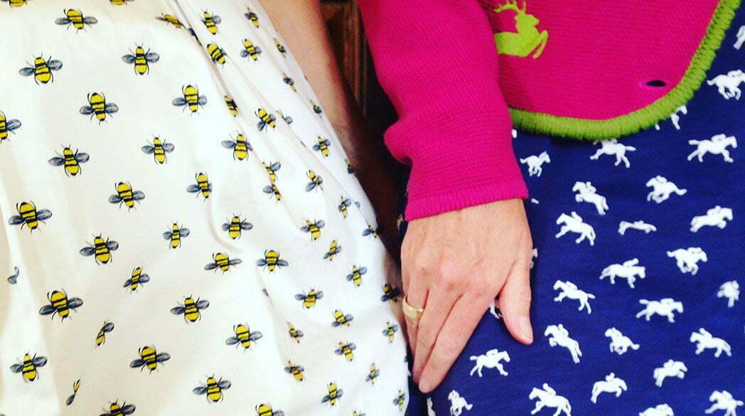 Mode mit Bienenmotiv