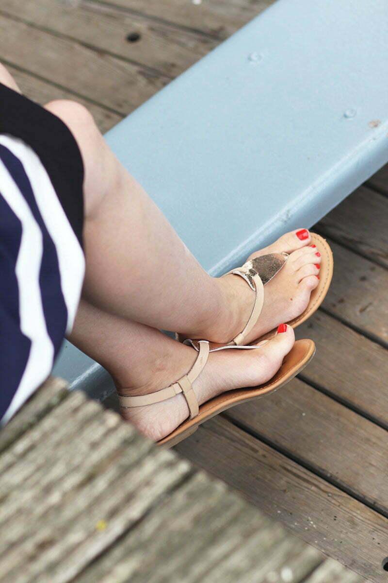 Goldene Sandalen von Tommy Hilfiger