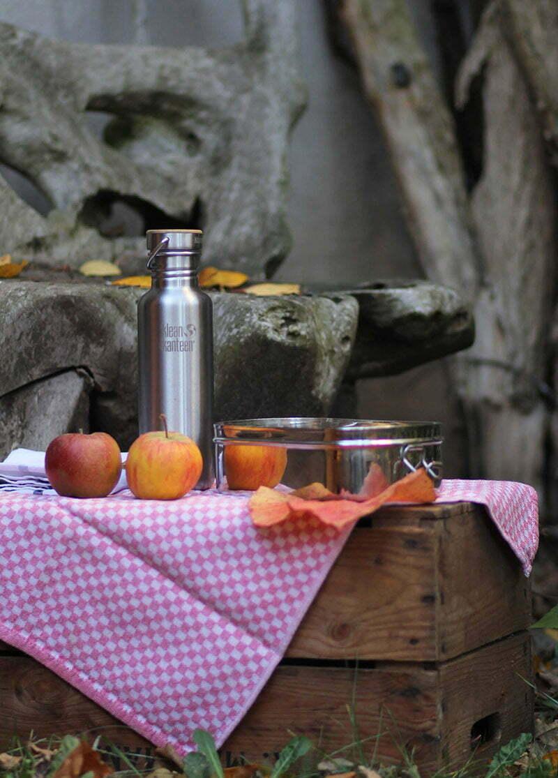 Picknick mit Edelstahl-Geschirr
