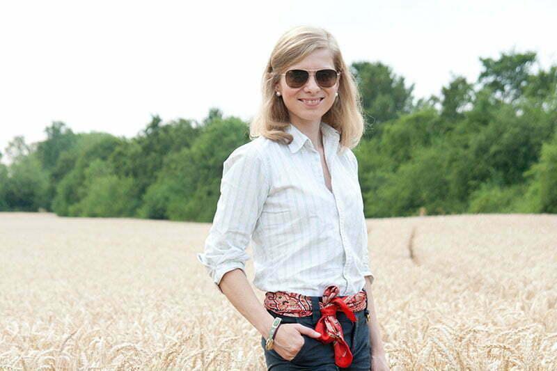 Stilkunde: Wie trägt man eine Oxford-Bluse?