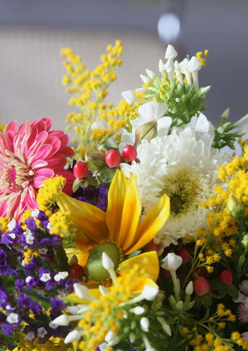 Salonettegirls: Kränze aus Wildblumen binden