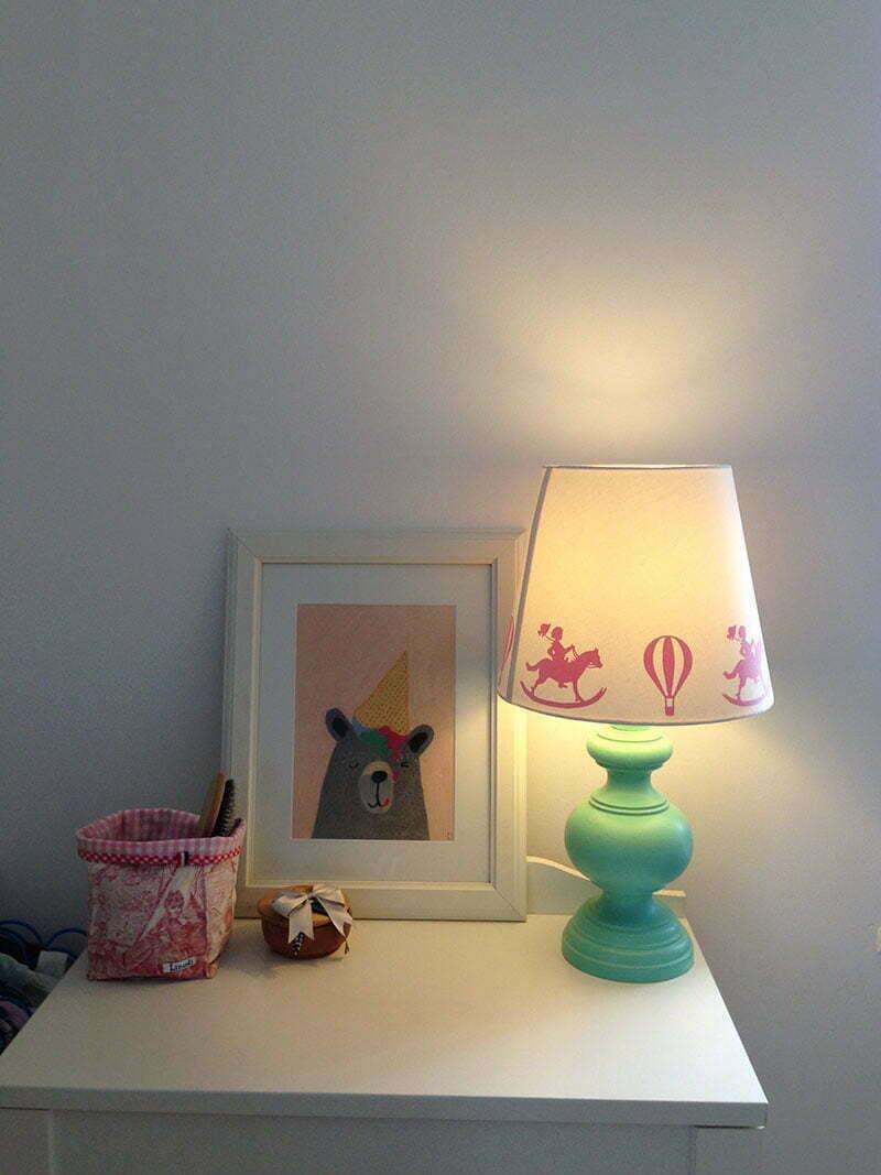 klassische Kinderlampe mit Scherenschnittmotiven von PiPPiTa