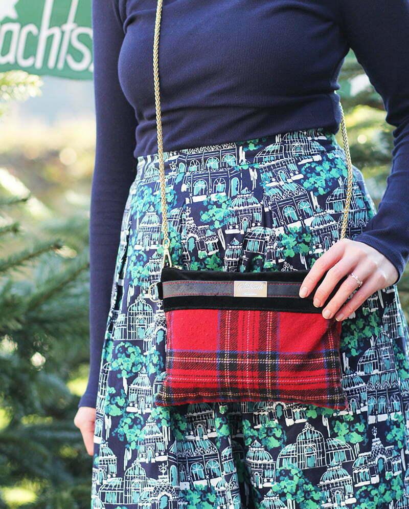 Heiligabend-Look: Tartan-Tasche von Stilstück