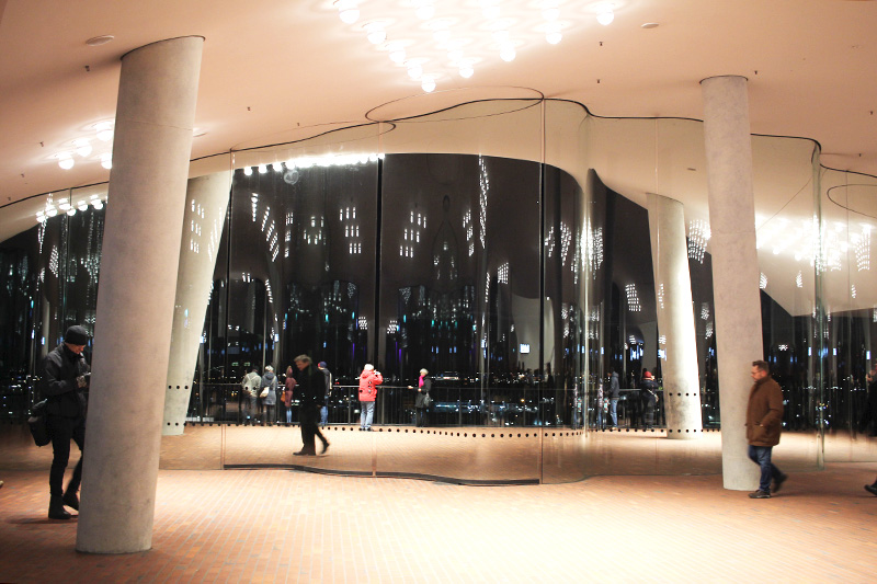 Elbphilharmonie: Ein Besuch der Plaza ist ein Muss!