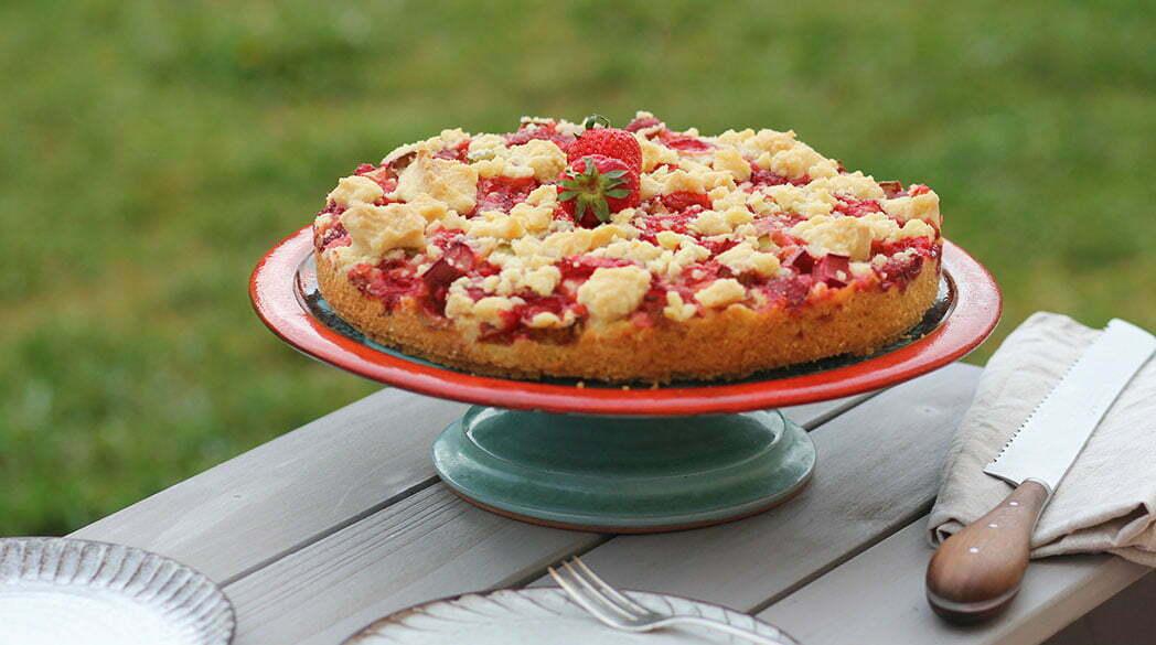 Saison-Rezept: Der weltbeste Erdbeer-Rhabarber-Kuchen!