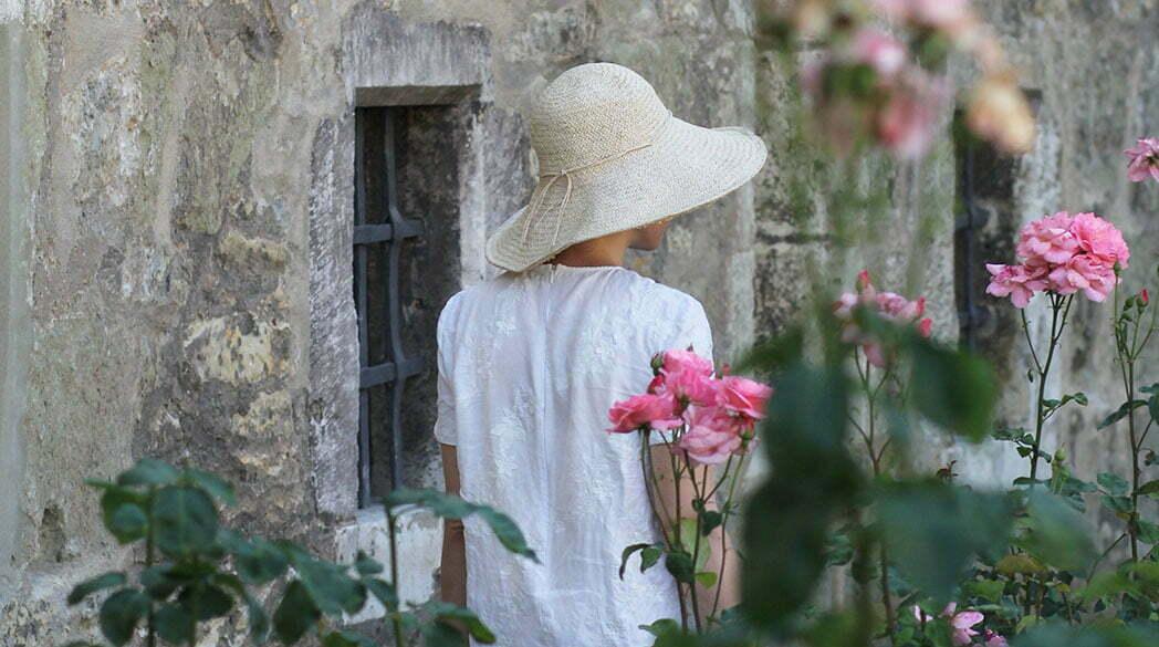 Outfitpost: Mit dem Leinenkleid im Rosengarten