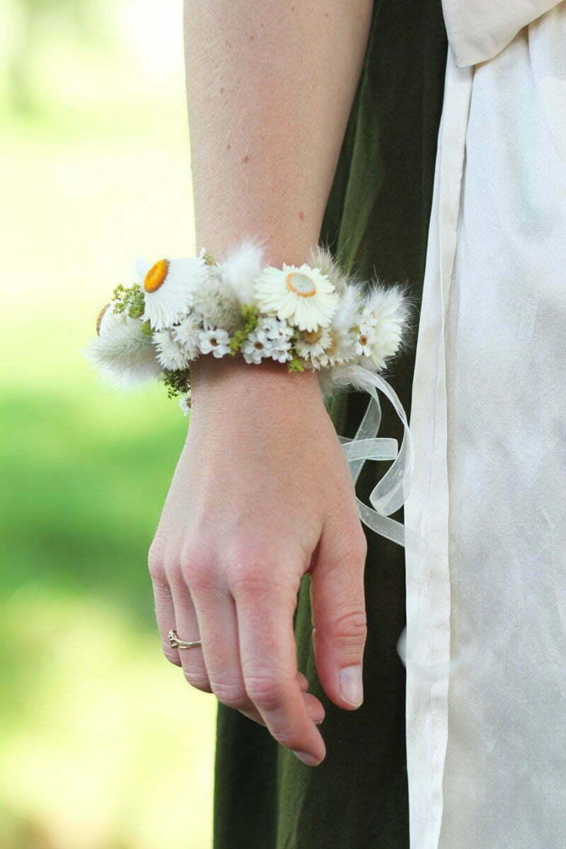 Blütenarmband zur Taufe oder Hochzeit