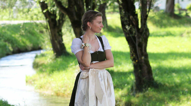 """Outfitpost: """"Ein Dirndl – Zwei Looks"""" mit Josefine Tracht, Teil 2"""